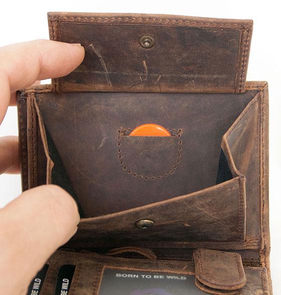 Kožená peněženka The wild force s křídlem 324bd9c1a7
